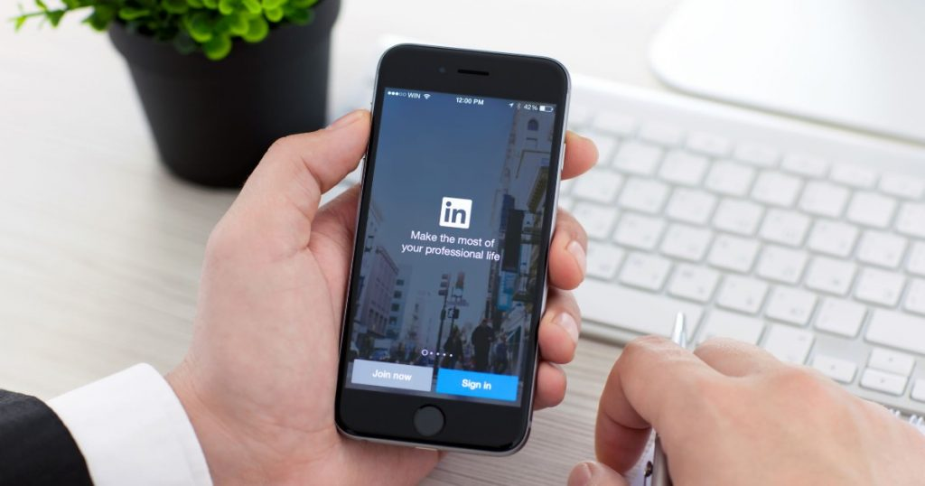 linkedin and reddit caught snooping on clipboard contents